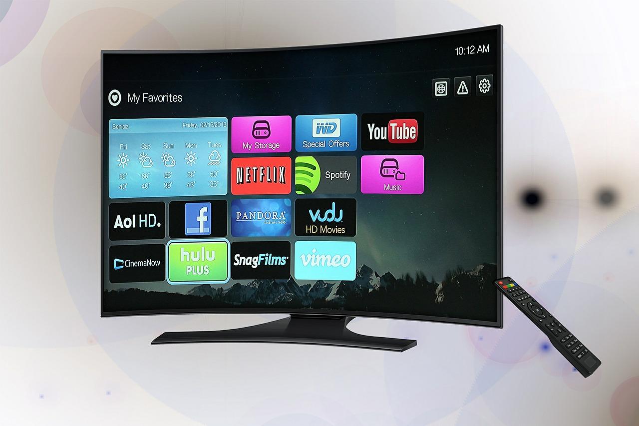 לחסוך בהוצאות טלוויזיה – 3 טיפים פשוטים ששווים 2,500 שקל בשנה